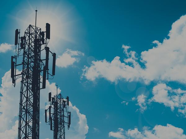 telecom-signal-antenne-industrial-battery-power